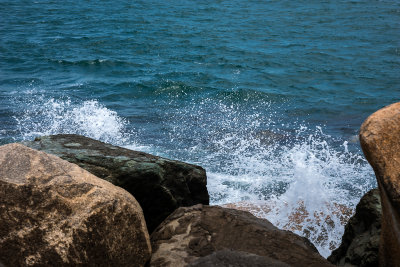 Sea waves and the rocks