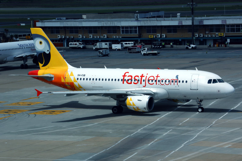 FASTJET AIRBUS A319 JNB RF 5K5A0353.jpg
