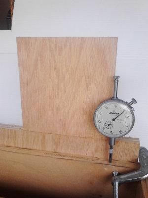 V-Drum Sander - 10 - Measuring Rail for Parallelness to Box Right Side