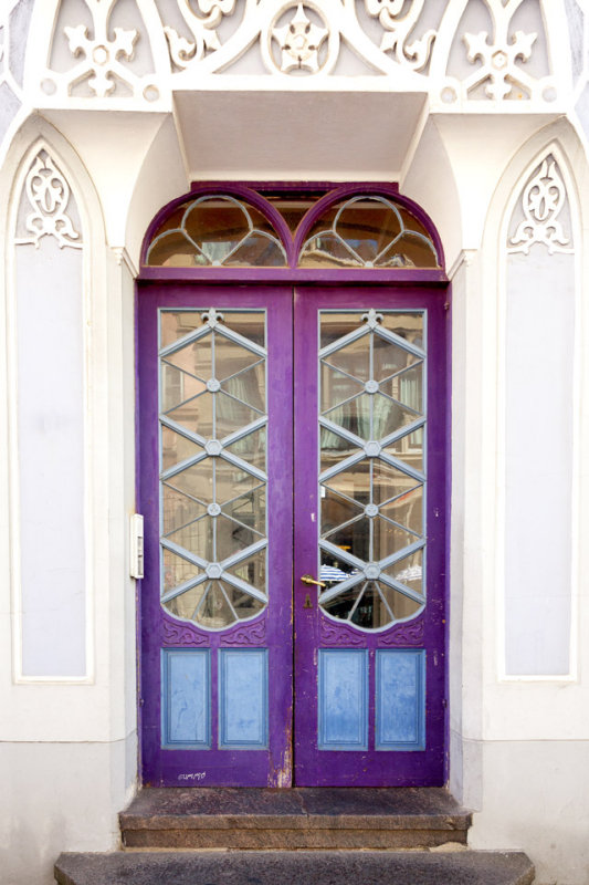 Purple door by Gummo