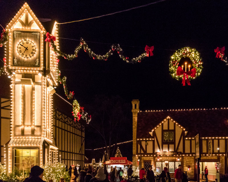 Christmas Town, Busch Gardens, Williamsburg, Virginia photo - Sam ...