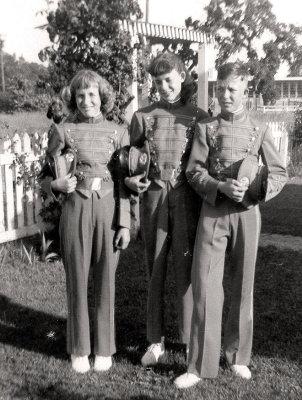 Betty , Bobbi, Ken Taylor