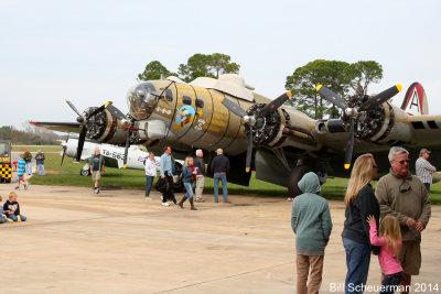 B-17 909