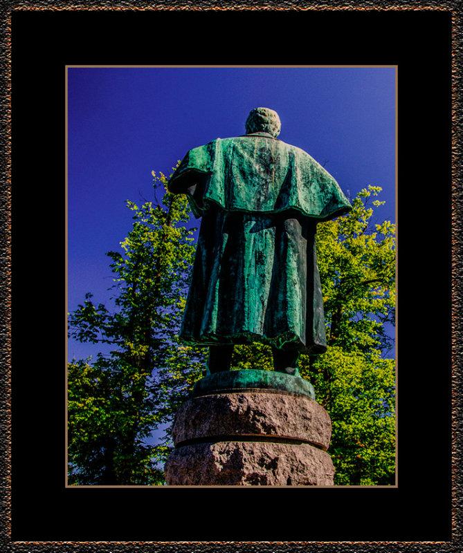 10=_MG_4234-=-Bjørnstjerne-Bjørnson-from-behind.jpg