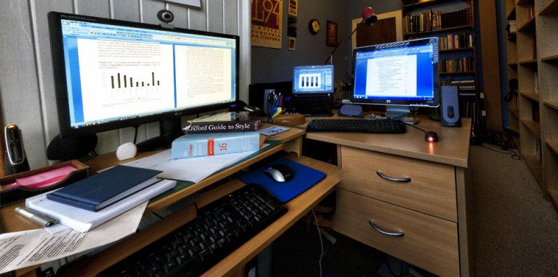 1518. Hard at work