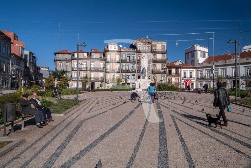 Edificações da Rua de Cedofeita e topo norte da Praça de Carlos Alberto (Imóvel de Interesse Público)
