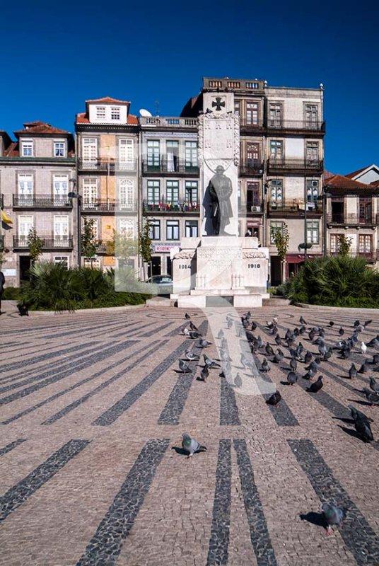 Monumento aos Mortos na I Grande Guerra, por Henrique Moreira (1928)