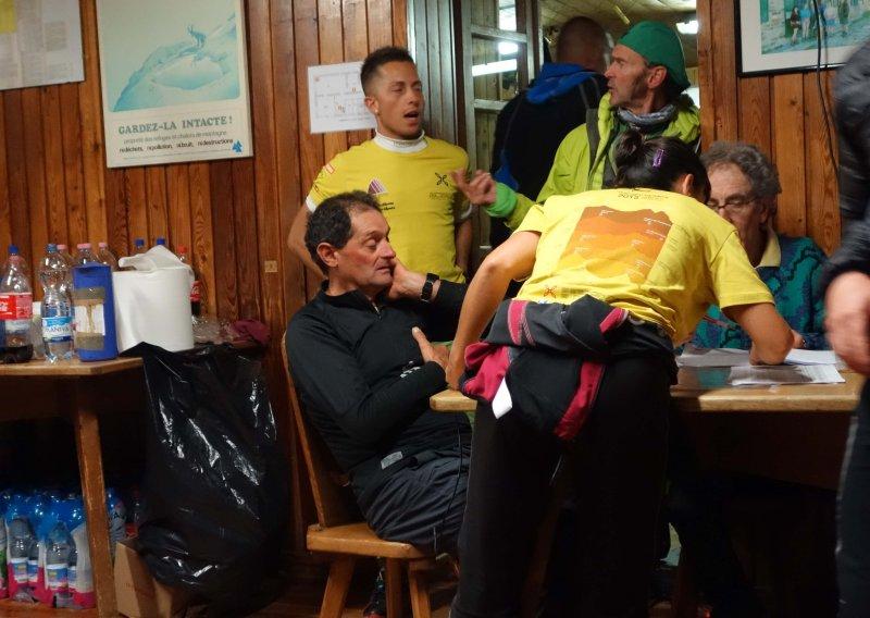 036 Tired Volunteers at Rif Sella.jpg