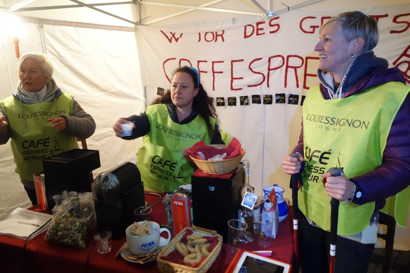037 Free Espresso on the Street in Cogne.jpg