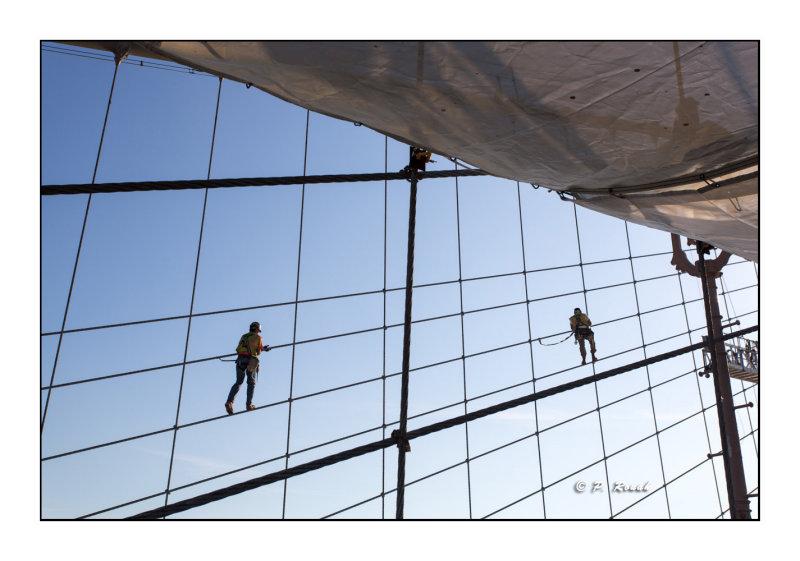 Workers on Brooklyn Bridge - New York - 8722