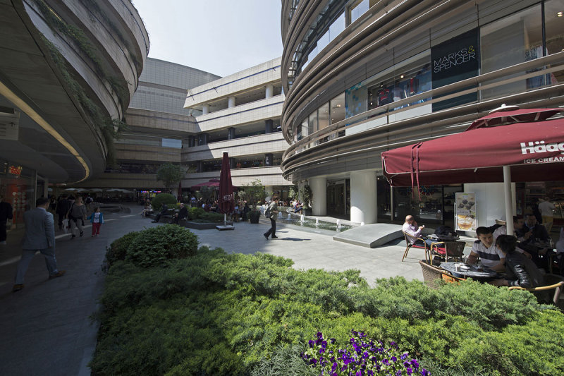 Istanbul Kanyon Shopping Mall May 2014 6507.jpg