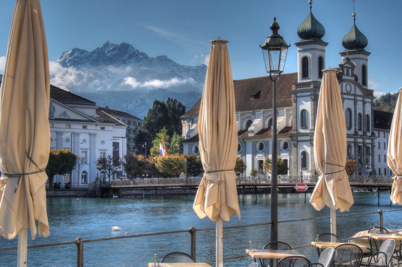 Take a break along the river Reuss