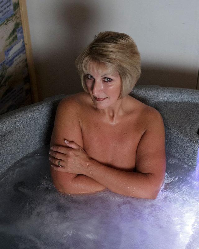 hot tub may 2013.jpg