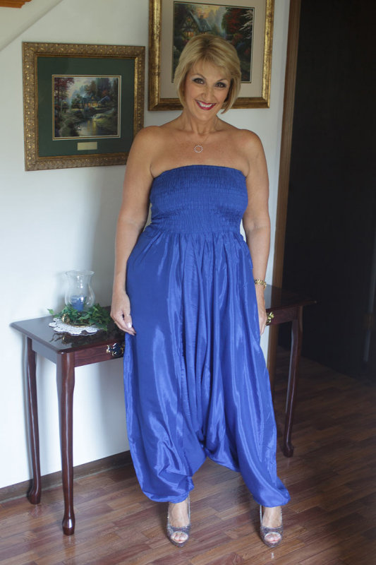 blue harem pants august 2013.jpg