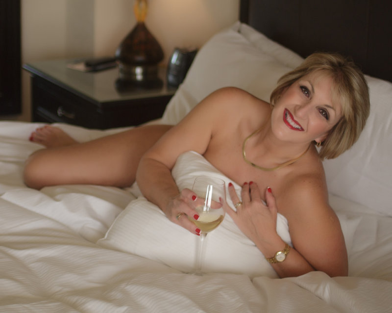 Jennifer toof nude pics