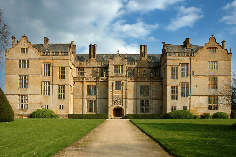 Montacute House ~ front view (1516)