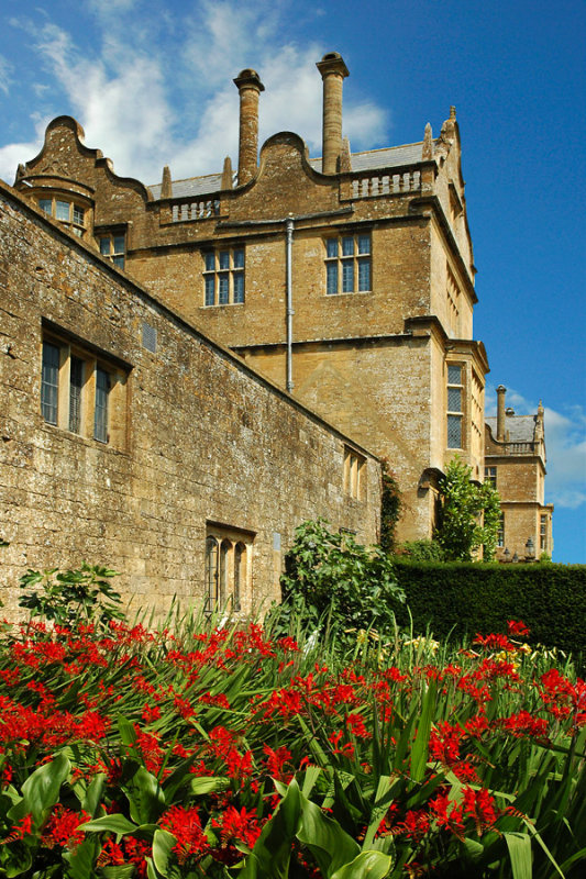 Montacute House ~ a splash of red