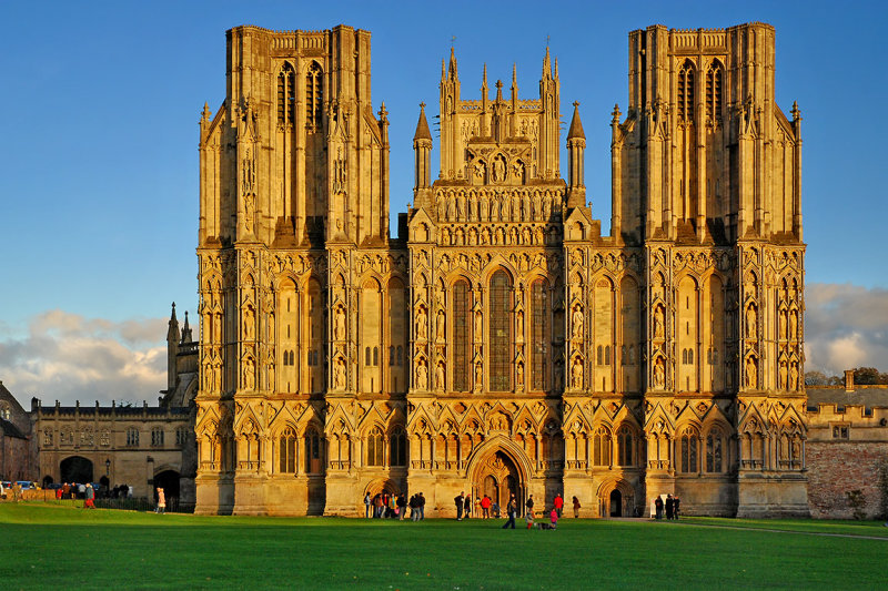 Golden light, Wells Cathedral (1575)