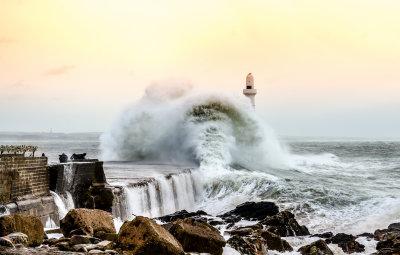 Big Waves....