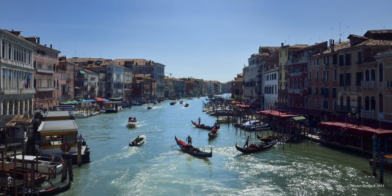 GRAND CANAL VIEW FROM THE RIALTO BRIDGE