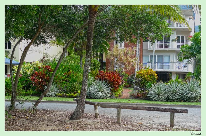 Gardens belonging to housing in the tropics 1