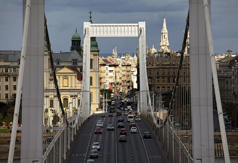 Elisabeth Bridge (Erzsébet híd)