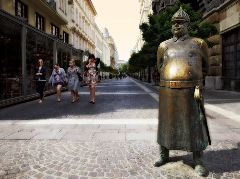 Statue of a Hungarian policeman from the early 1900s