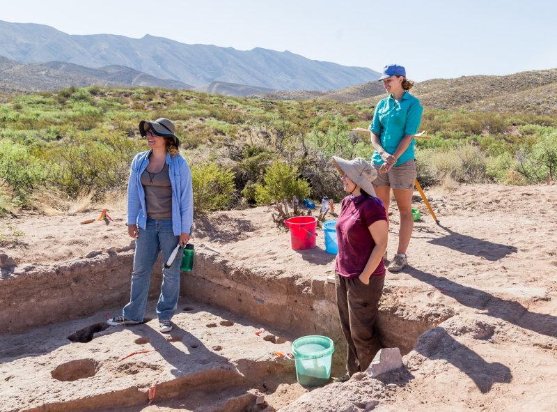 Crew Chief Kristin Corl, Ellisar Pape (in excavation), Sara Blahut above