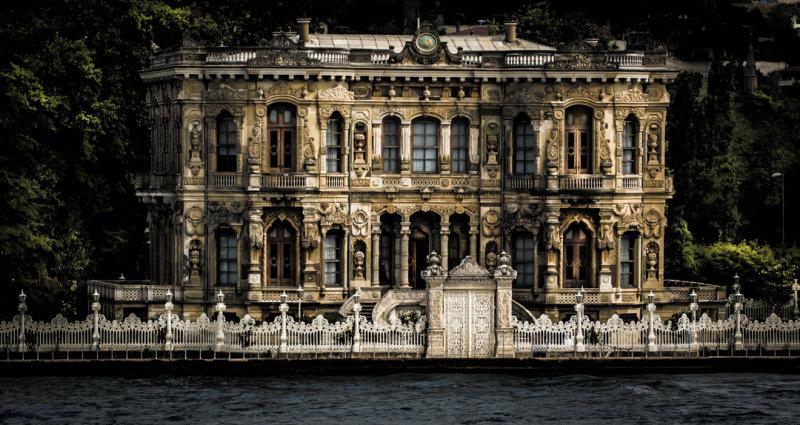 Homes along the Bosporus