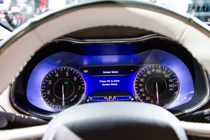 2015 Chrysler 200C dash