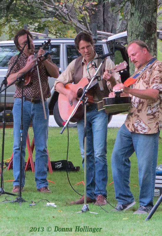 16 Strings playing Strafford Village