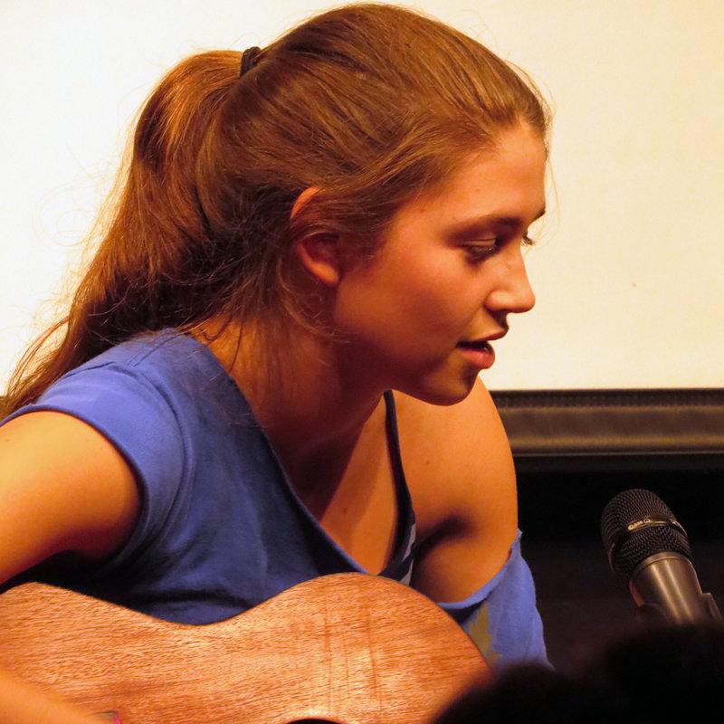 Quinn Singing