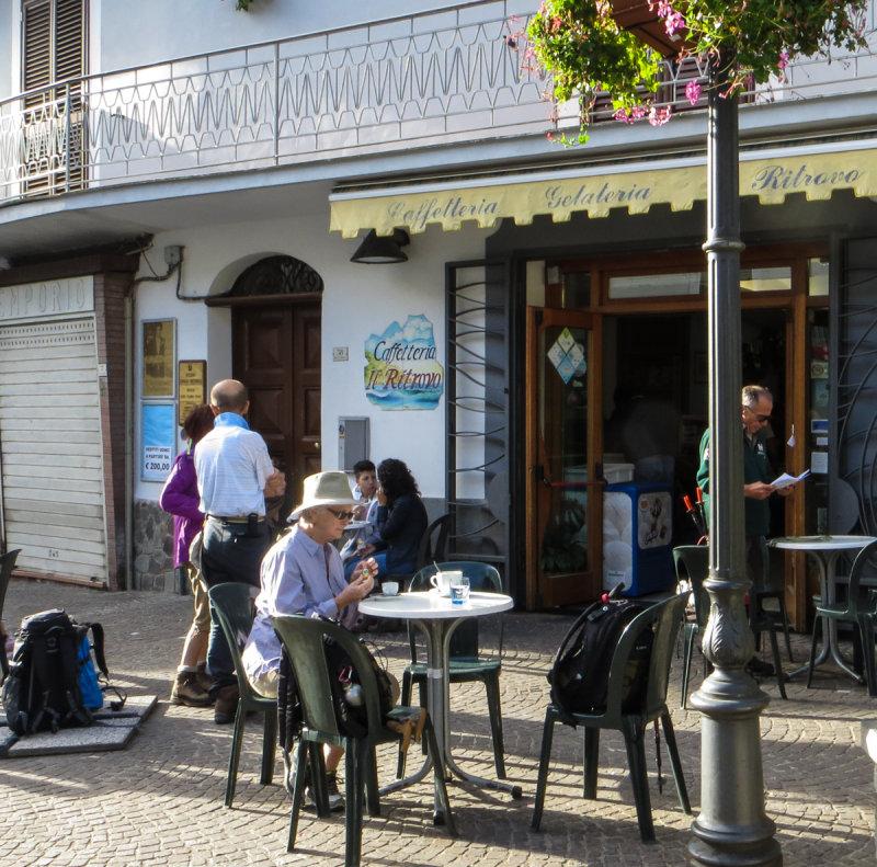 13-10 Espresso in Bomerano .jpg