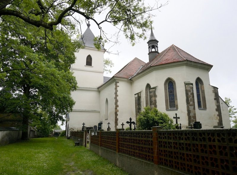 heres the parish church at Hodušín, where several of Jays relatives were married...