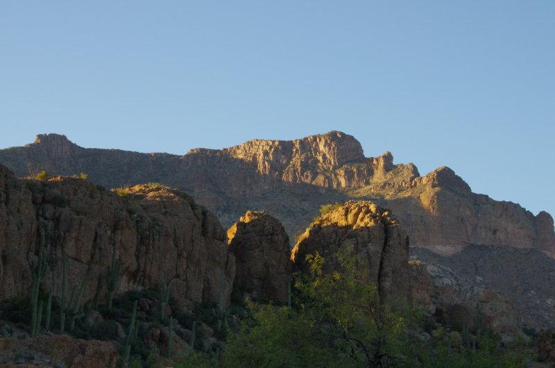 Picketpost Mountain behind Magma Ridge