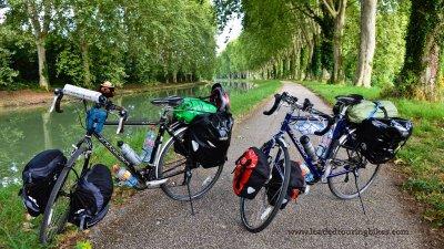 450    Aline and Victor touring France - Ridgeback World Voyage & World Panorama touring bikes