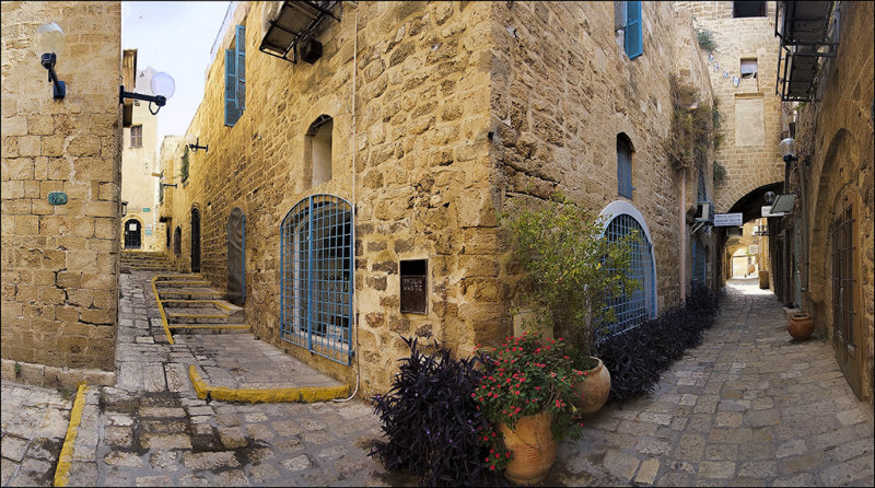 Vertical Panoram in the old city
