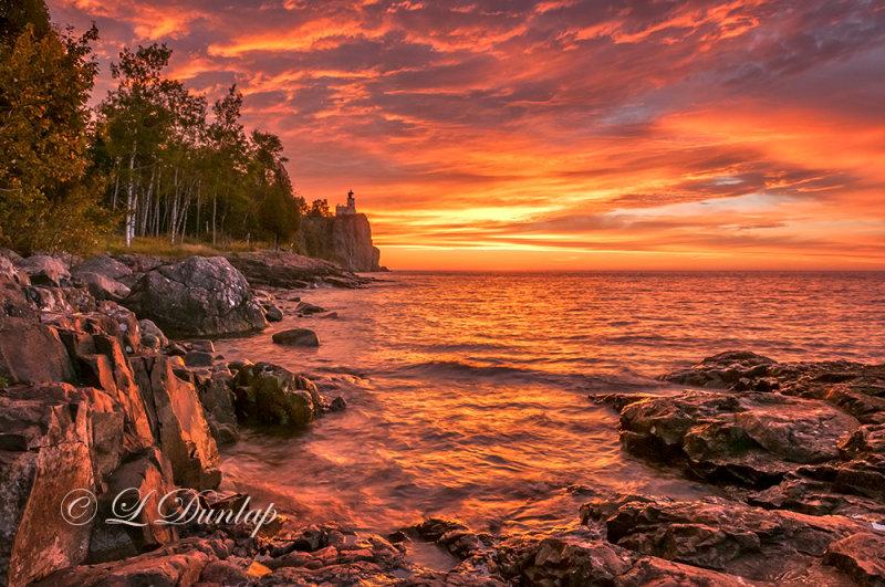 *** 30.31 - Split Rock Lighthouse:  Autumn Sunrise