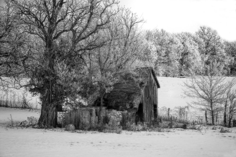 New Hampton Barn (B&W)