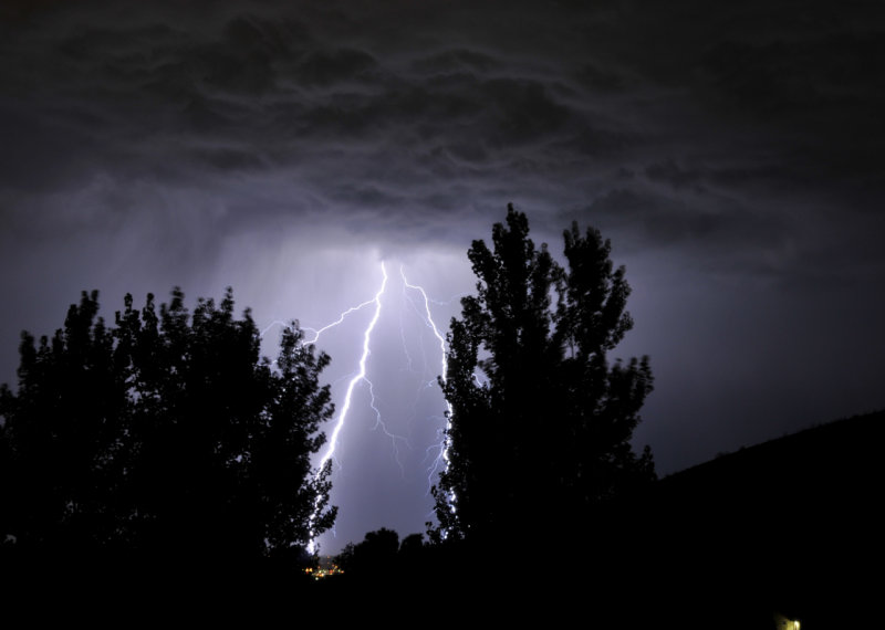 Lightning in Pocatello _DSC1436.jpg