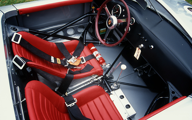 550 Spyder interior is all business