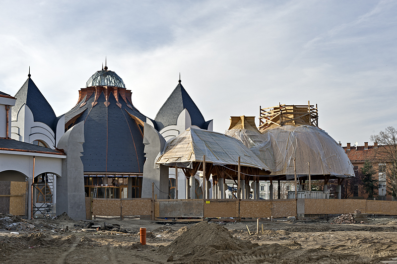 Thermal baths under construction