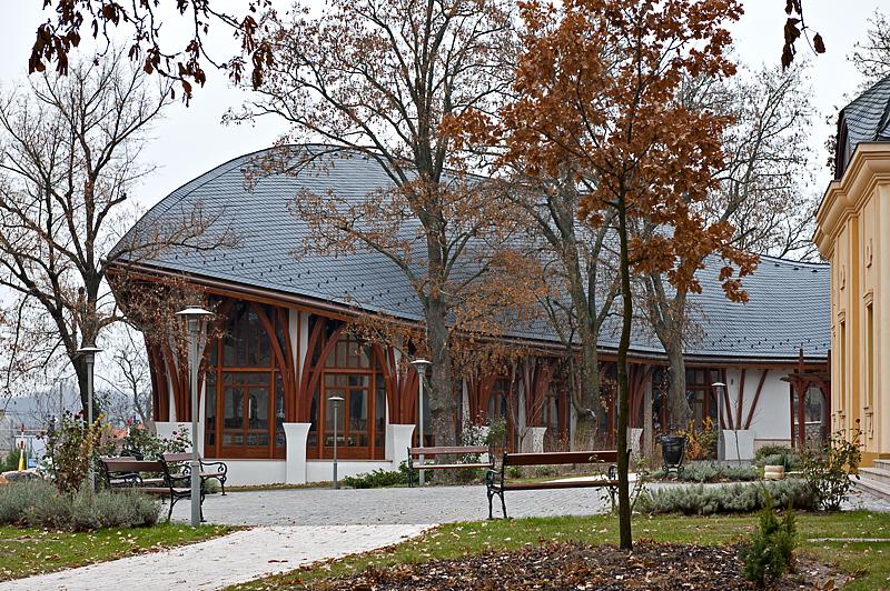 Akadémia, main building