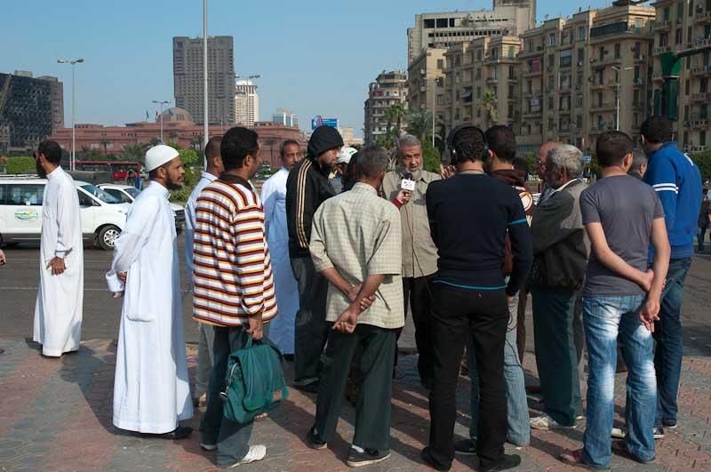 Impromptu meeting in Tahrir Square