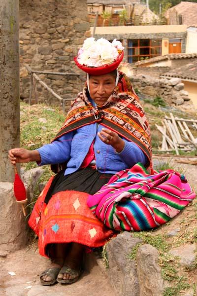 Native lady in Ollantaytambo