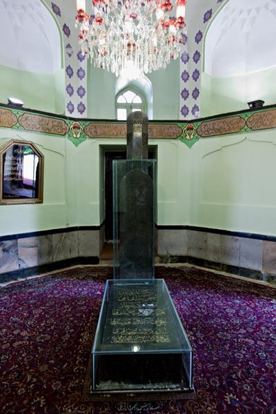 Attar Neishabouris Tomb (Inside) 2/4