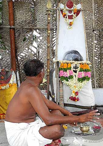 This Christian shaman practises with the help of the Dravidian God Sudalai. Tirunelveli District, Tamil Nadu.