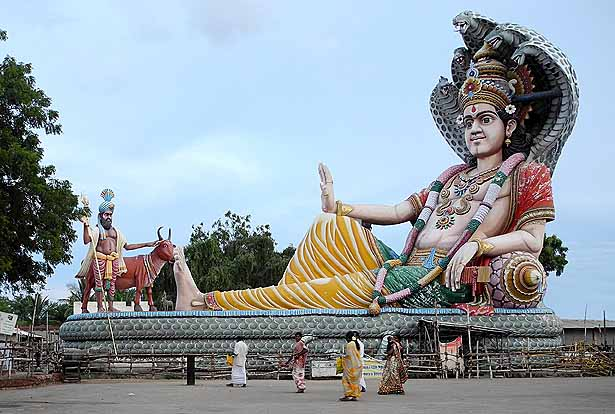Huge Vishnu resting on Sesa the world-snake. Sri Vekkaliamman Thirukoil Sindalakkarai near Ettayapuram,Tamil Nadu. http://www.bl