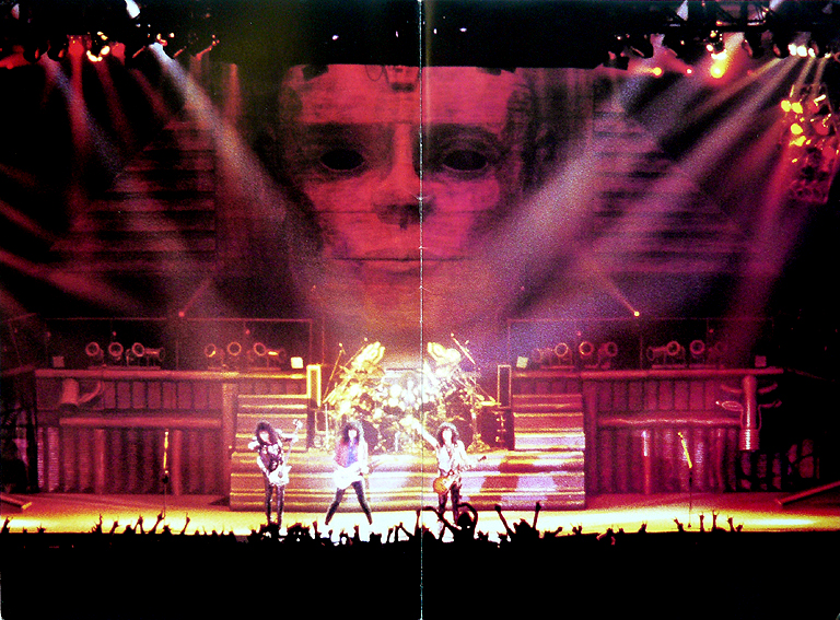 16 Kiss Hot in The Shade Tour Book_Page_02.jpg