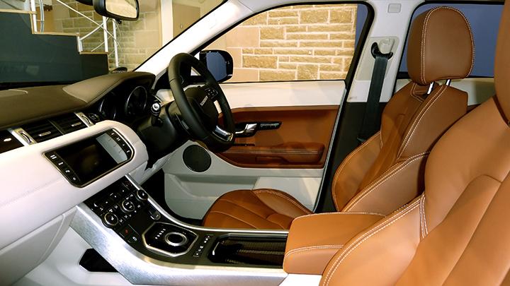 Land Rover Evoque Interior web P1010095.jpg
